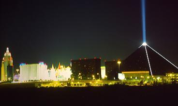 Vegas_at_night
